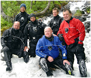 divers-on-the-snow